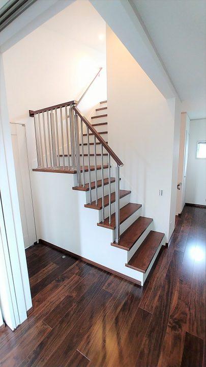 H様邸階段